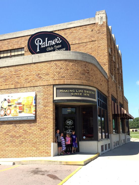 Palmer's Candies, Sioux City, Iowa - Find old-fashioned candies and more at this candy shop