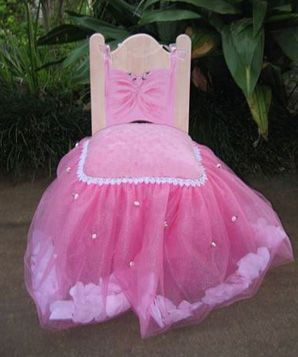 Princess Party - Tulle Chair idea for the Birthday Princess