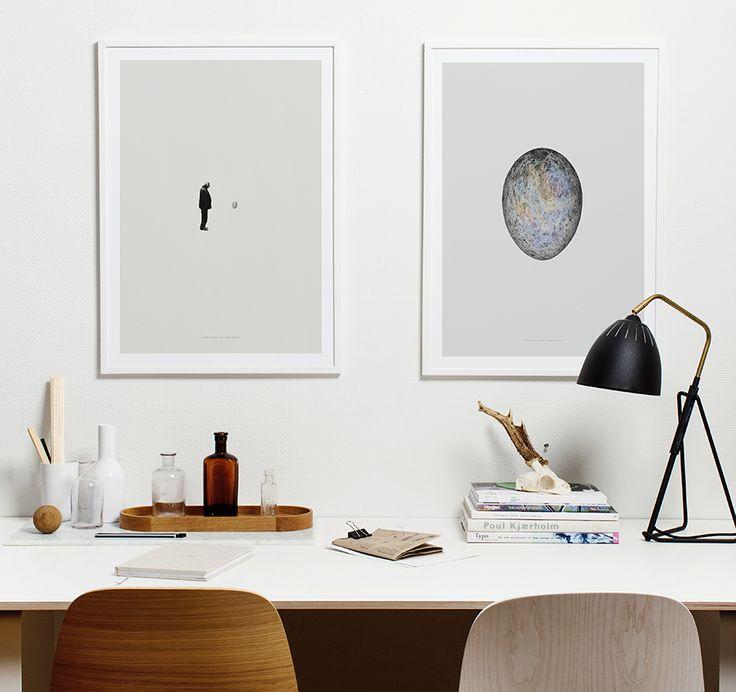 Deze bijzondere poster is ontworpen door de Britse kunstenaar Greg Eason. Eason heeft de zeldzame kwaliteit om eenvoudig getekende beelden heel complex te laten lijken. Hij weet ze een indrukwekkende diepte mee te geven. #papercollective #timereprise #poster #muurdecoratie #wanddecoratie #byjensen