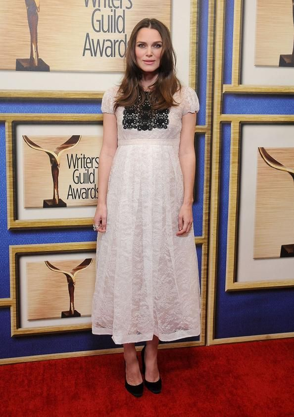 Check out Keira Knightley's latest maternity look, a dreamy Burberry creation, which she wore at the Writers' Guild Awards over the weekend.