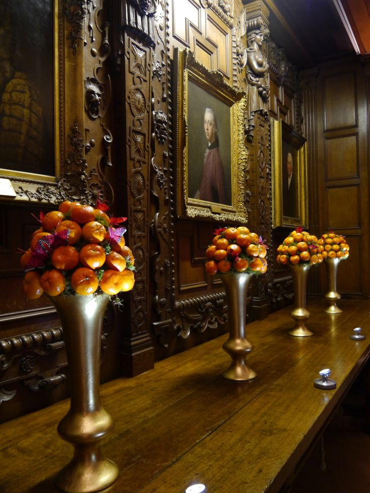 Clementines and butterflies adorning the Parliament Chamber