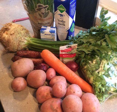 Luxe stamppot rauwe andijvie voor 4 personen Ingrediënten: 750 g aardappelen in 250 g winter wortel 400 g selderijknol 400 g gesneden andijvie 1 zakje mix voor andijvie (Verstegen) 200 ml slagroom …