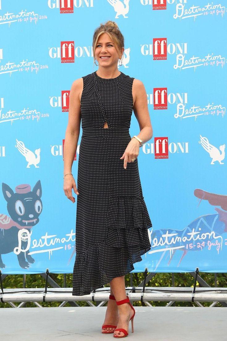 Αυτό το φόρεμα της Jennifer Aniston κρύβει ένα έξυπνο trick!