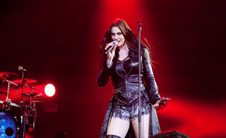 Die finnische Band Nightwish befindet sich aktuell mit ihrem neuem Album Endless Forms Most Beautiful auf gleichnamiger Europa Tournee und machte dabei am Samstag, 28. November 2015 Halt in der St. Jakobshalle in Basel. Als Support waren Hochkaräter wie die Schwedische Metal-Band Arch Enemy und die Finnen von Amorphis mit dabei, die das Publikum mit [ ]