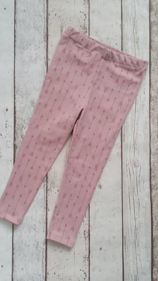 Check out this item in my Etsy shop https://www.etsy.com/uk/listing/514929057/girls-leggings-arrows-pink-leggings-baby