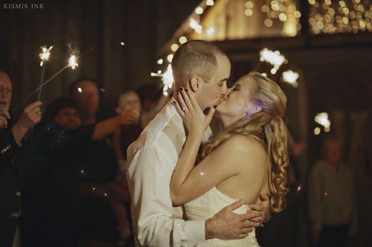Heather and Luke | Wishing Well Barn | Tampa Destination Wedding Photographers | Kismis Ink Photography