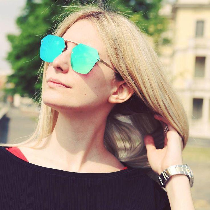 """""""Lottimismo è un magnete della felicità. Se rimani positivo le cose buone e le buone persone saranno attratte da te.""""  (Mary Lou Retton). ___4u4it___  Boston Sky Light Blu  #4u4me #sunglasses #eyewear #sun #occhiali #occhialisole #look #fashion #cool #moda #donna #ragazza #stile #sunday #italy #xfactor #city #sole #top #trendy #istagood #iştamood #picoftheday #summer #estate #sole"""