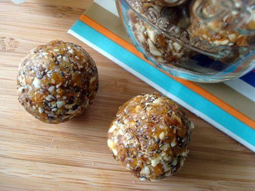 Apricot date energy balls