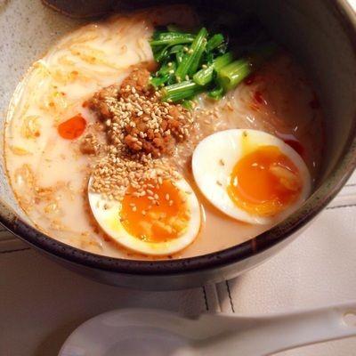まるで豚骨スープ!?豆乳と肉味噌の春雨ラーメン