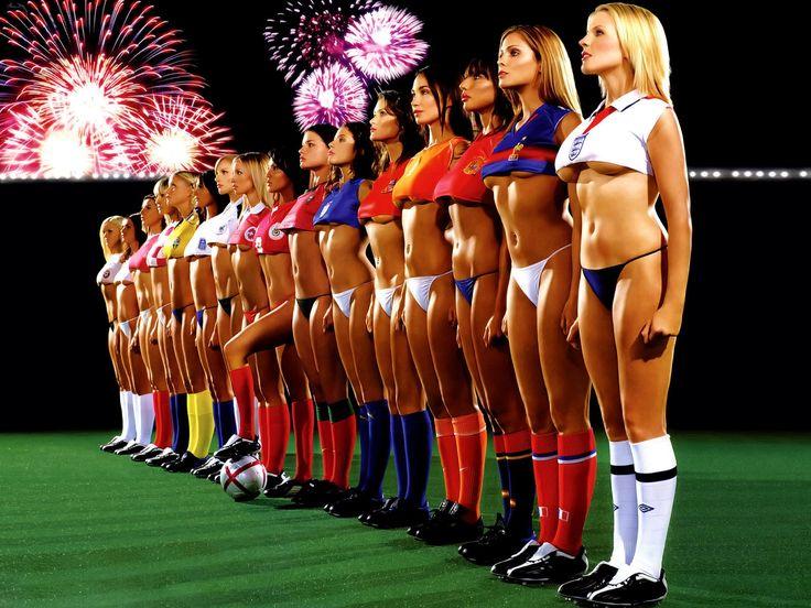 Футбольные проститутки карлик снял проститутку