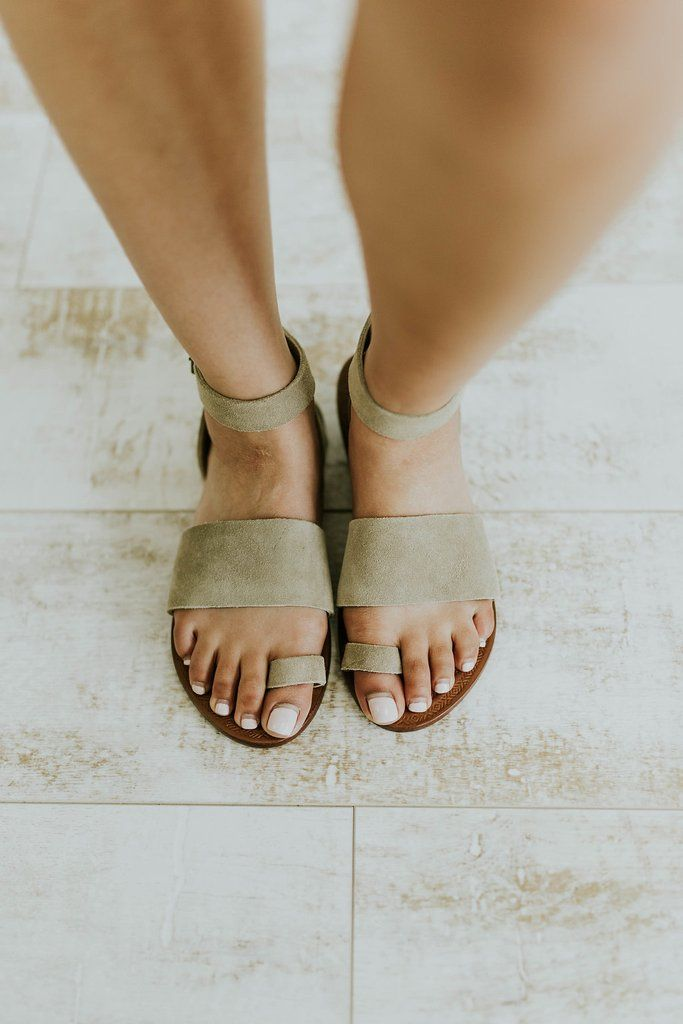 0ee3b8b546a Free People Torrence Flat Sandal in Taupe