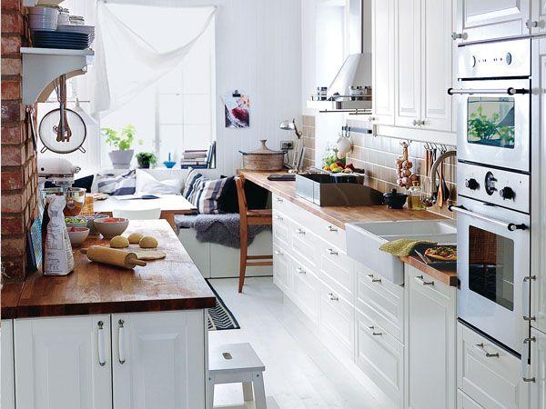 Wohnküche in 3 Stilen: Country Stil, verlängerte Arbeitsplatte