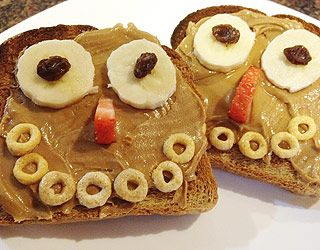 happy toast breakfastKids Breakfast, Toast Breakfast, Breakfast Ideas, Fun Food, Happy Toast, Healthy Breakfast, Kids Friends Breakfast, Joy Bauer, Kids Food