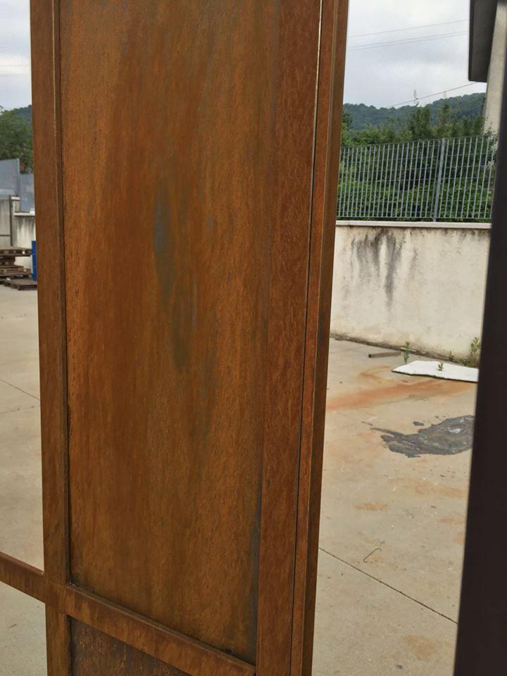 Infisso in acciaio corten, rusty steel. In lavorazione!  #acciaio #rusty #corten #arredonegozi