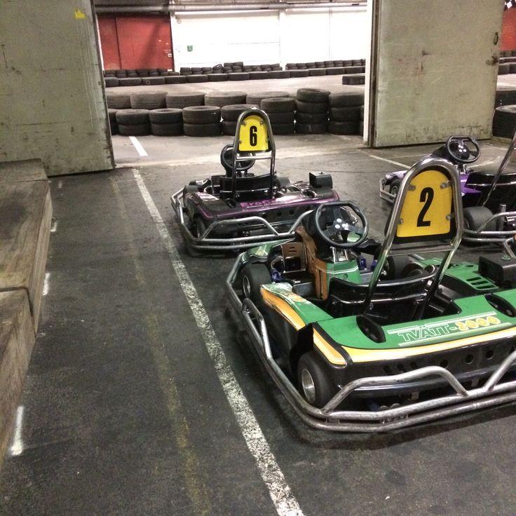 Gillar du fart och fläkt är gokart garanterat något för dig! Helsingborg Go-cart erbjuder skräddarsyr olika race och evenemang enligt förfrågan. Från 12 år