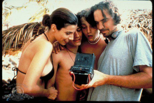 Alfonso Cuarón, Gael García, Diego Luna and Maribel Verdú in the set of Y Tu Mamá También