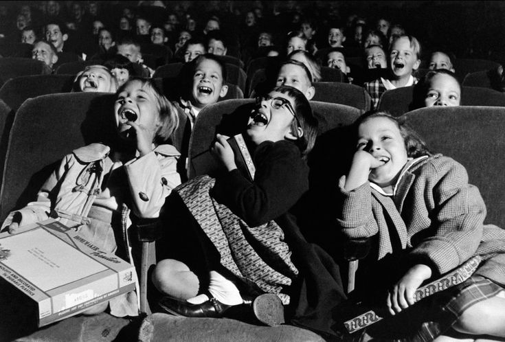 Wayne Miller Children in a movie theater, 1958