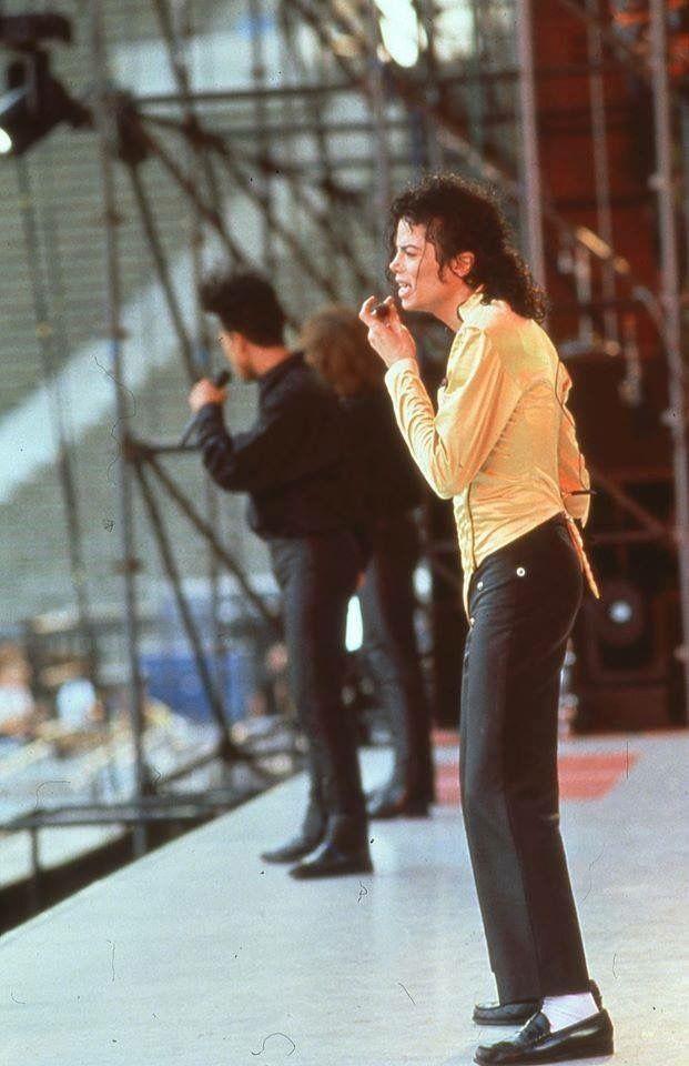MJ rehearsing