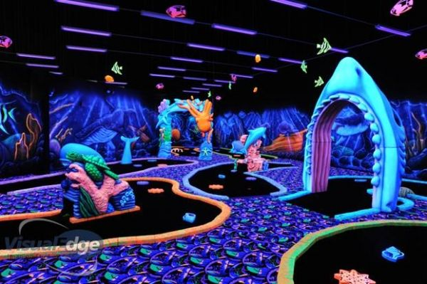 Mini Golf Weatherford TX - Glow In The Dark Putt Putt - Hole-In-Fun Entertainment