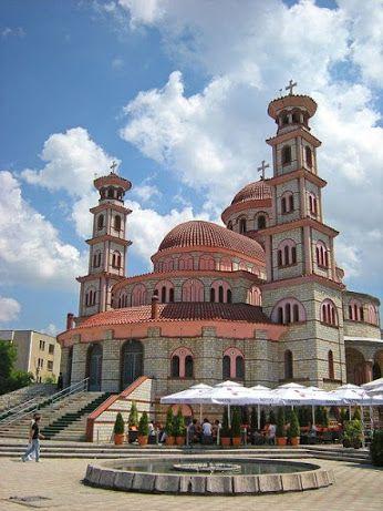 A catedral de Korçë, Albânia.