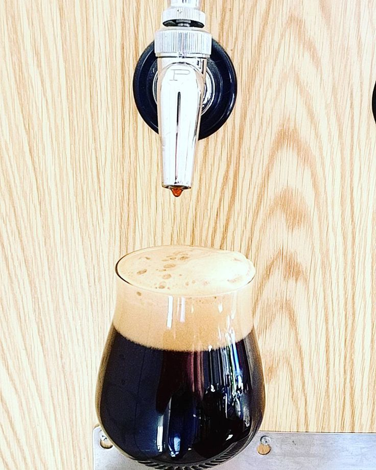 Worked hard clearing the lines for this keg of black Ipa  but it's worth it. You can check my YouTube channel to see Mr talk about it.  Link in my profile or copy paste https://youtu.be/Zddj6DFEXVM