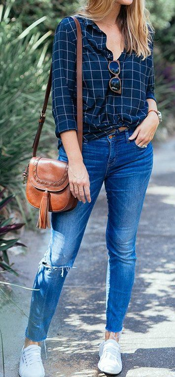 #thanksgiving #outfits Plaid Shirt // Jeans // White Sneakers // Leather Shoulder Bag