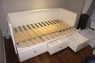 Ikea Hemnes day-bed - matras is maar 80 breed dus niet zo goed voor dagelijks gebruik!