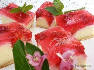 Ciasto grysikowe z truskawkami