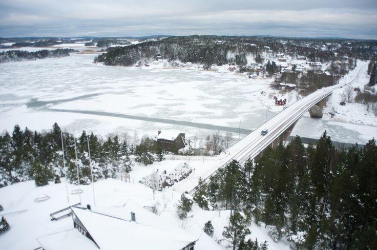 Séjour hivernal dans les îles Åland en Finlande (Detour Local) -> La vue d'un belvédère très visité des îles Aland www.detourlocal.com/sejour-hivernal-iles-aland-finlande/