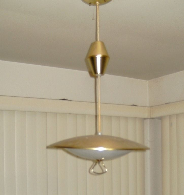 Vintage 1960 39 s pull down kitchen lamp hanging over the for Pull down kitchen table