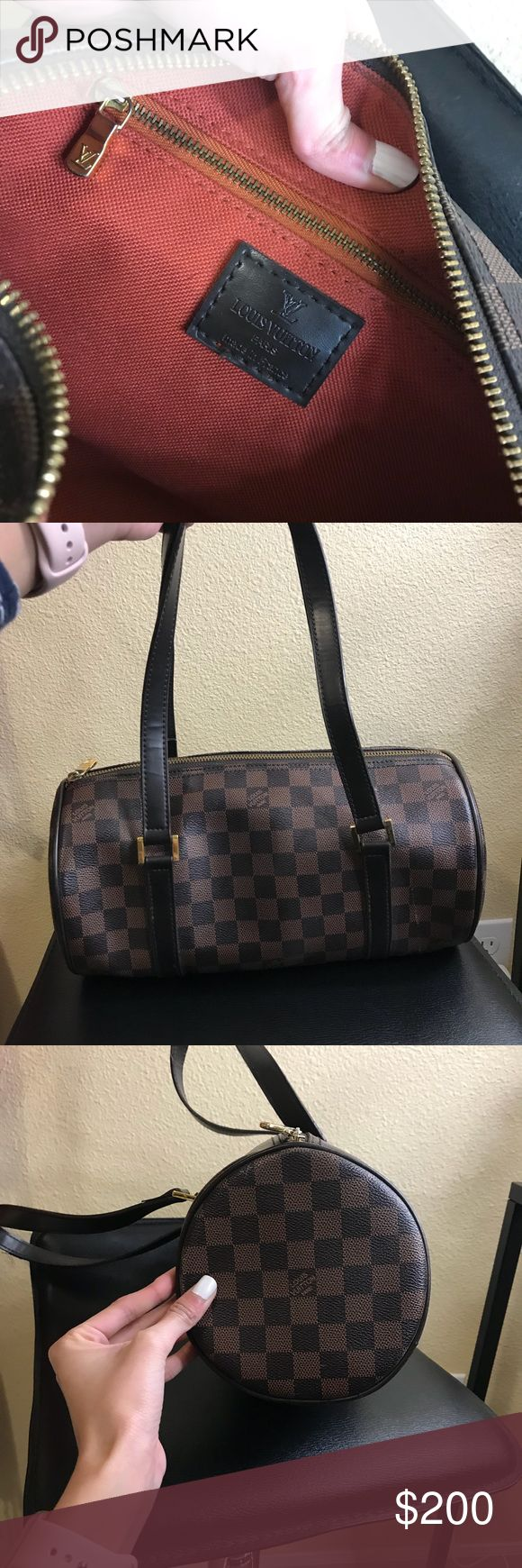 Louis Vuitton Purse 👜 Love this bag! Super cute and has the original signature design. Price is low because there is some significant signs of wear throughout the purse. The straps are coming apart and there are scratches shown in pics above! Will post pic of date code if requested! Louis Vuitton Bags Shoulder Bags