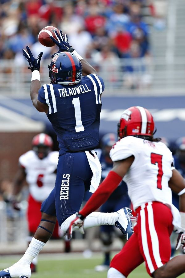 Ole Miss Football - Rebels Photos - ESPN
