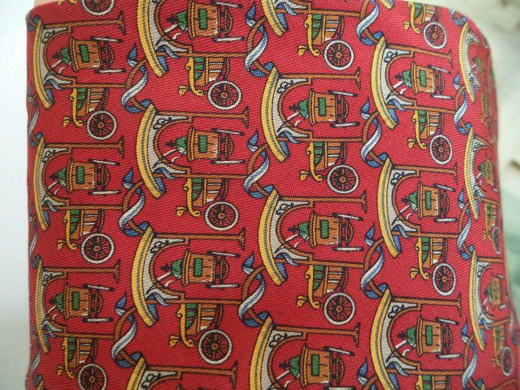 Salvatore Ferragamo Tie Classic Silk Antique Gold Red Carriages Men s necktie
