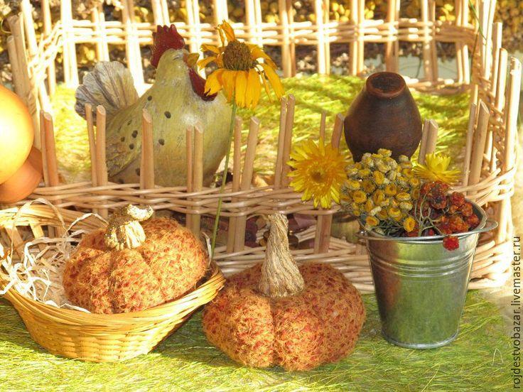 Купить Деревенский дворик. Интерьерная композиция - плетеная корзина, сезаль, сухоцветы, оранжевый, курочка, петух