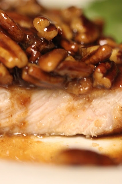 Tortillas and Honey: Honey Pecan Pork Chops