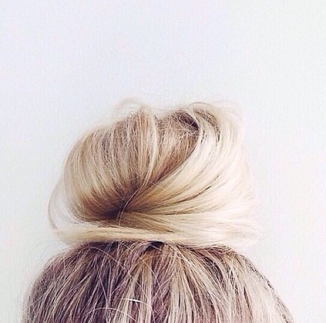 //Blondes Hair, Tops Knots, Buns Perfect, Dreams Hair, Tops Buns, Beautiful, Buns Dreams, Blondes Buns, Perfect Messy Bun