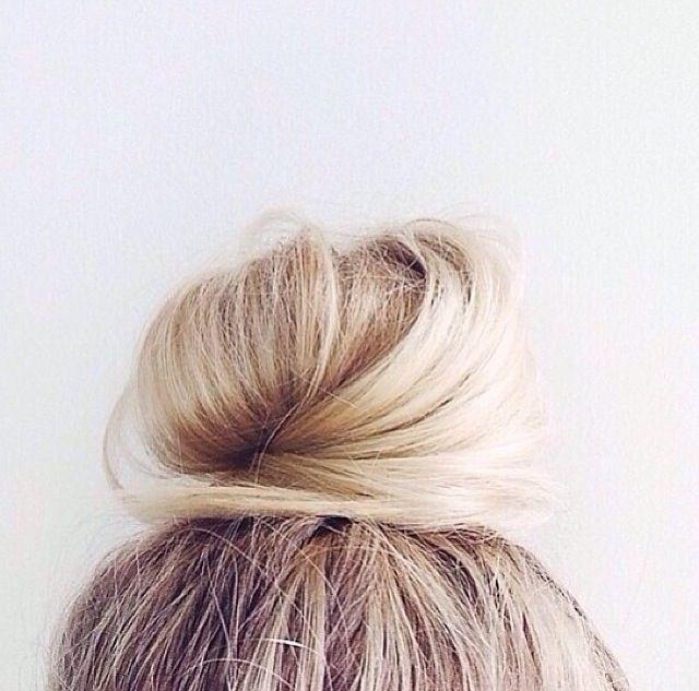 //: Messy Bun, Blonde Bun, Blonde Hair, Blondes, Hair Beauty, Top Knotz, Top Bun, Bun Dream, Dream Hair