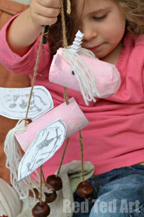 Toilet Paper Roll Unicorn Craft. How we love those TP Rolls!!! So versatile.