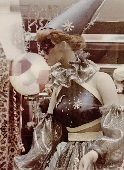 76 Best Vintage Circus Costumes Images On Pinterest ...