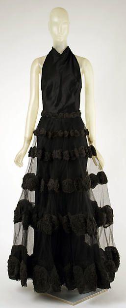 """Carnival Dress"" Designer: Madeleine Vionnet (French, Chilleurs-aux-Bois 1876–1975 Paris) Date: 1936 Culture: French Medium: silk"