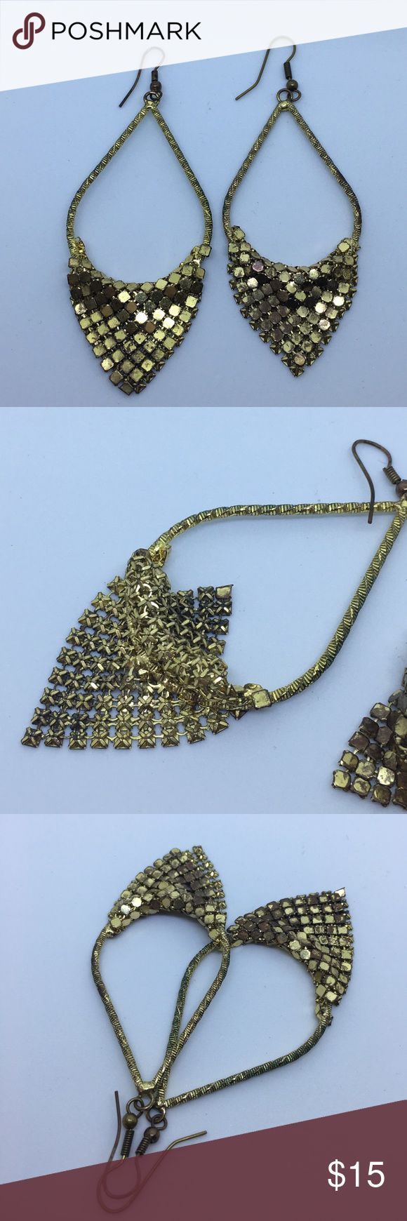 """Vintage Gold Mesh Dangle Earrings Flea Market Find!  Gorgeous gold snakeskin mesh draped over teardrop shaped dangle earrings.  Without the hook, these hang 3"""" long and are 1.5"""" at the widest part.  Good used condition; does show signs of wear on the metal, but I also haven't tried to clean them. Vintage Jewelry Earrings"""
