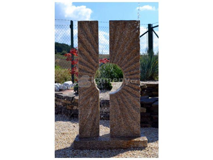 Fontána Slunce je vyrobená z přírodního kamene. Fontána se skládá ze tří částí…
