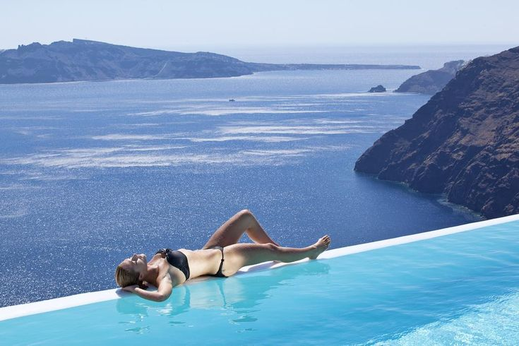 CSky Hotel || Csky Luxury offers luxurious accommodation in Imerovigli, Santorini's most picturesque village, located on the main road to Oia.
