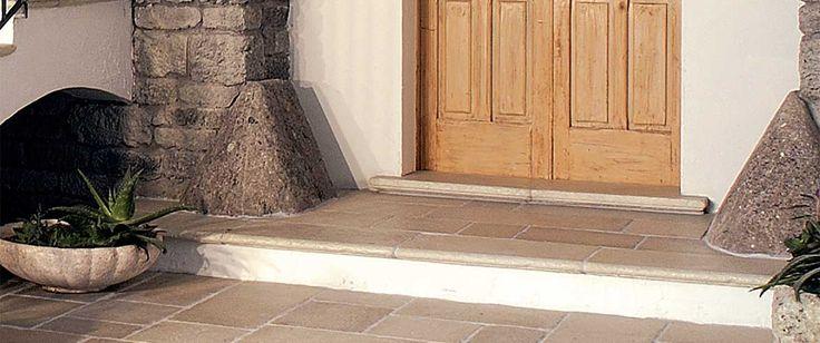 Gradini chianca - Primiceri Manufatti srl - Pavimenti, rivestimenti per interno ed esterno, cucine in murature in pietra naturale ricostruita