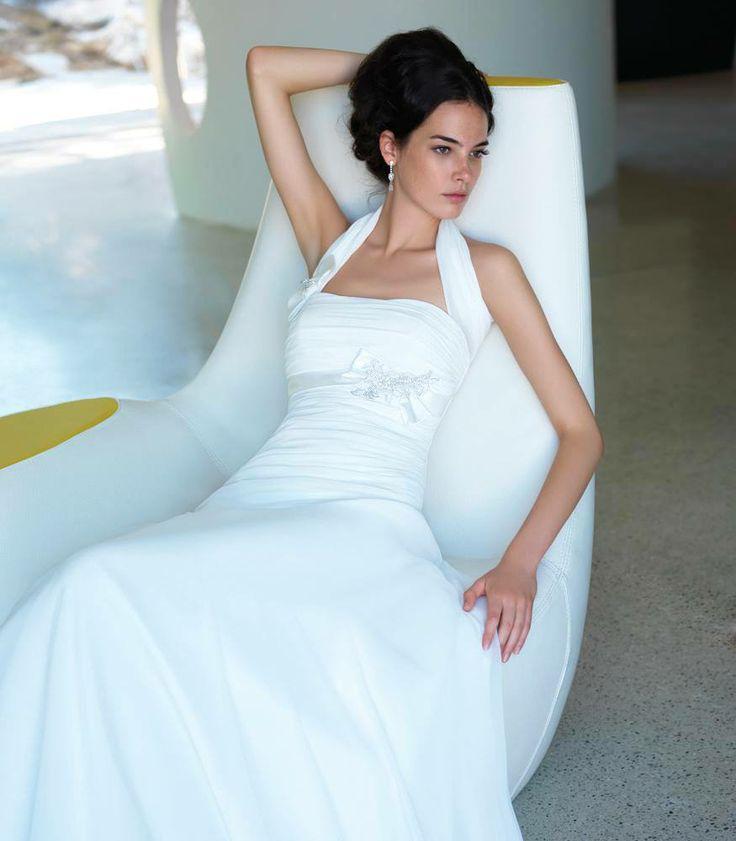 Ogni ragazza sogna fin da bambina il giorno del proprio matrimonio ma l'elemento intorno al quale nutre le più grandi aspettative è l'abito…  Leggi il post---> http://www.simisposo.it/abito-da-sposa-sceglierlo-con-chi-vogliamo/