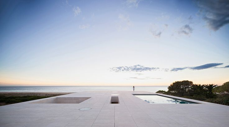 house of the infinite by alberto campo baeza stretches towards the ocean - designboom | architecture