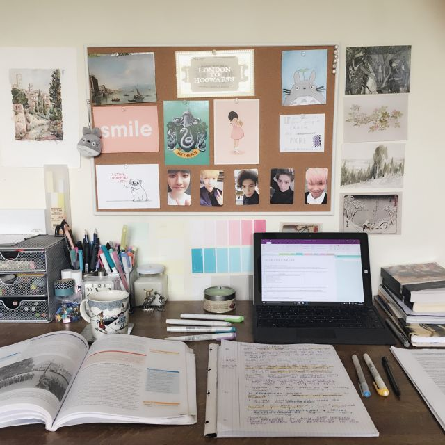 Tips For Redecorating Your Home Office: Best 25+ Dorm Desk Decor Ideas On Pinterest