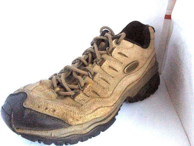 SKECHERS MENS BEIGE SUEDE HIKING SHOES SIZE 9.5 MEDIUM RUSSELLB SHOES #SKECHERS #HikingTrail