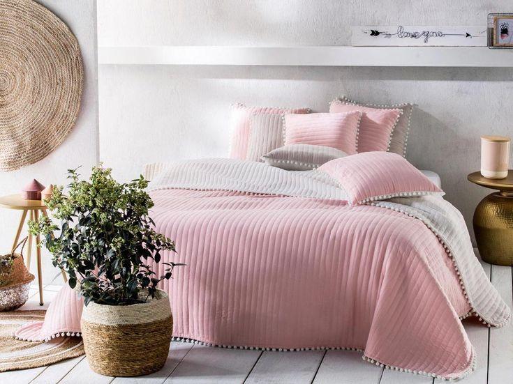Přehozy na dvoulůžkové postele
