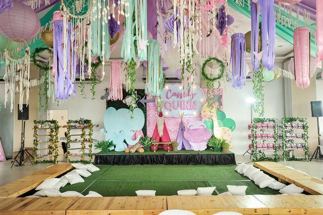Quinn S Boho Chic Pastel Safari Themed Party Stage Safari Theme Party Party Entrance Decoration Party Themes